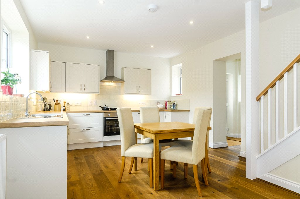 2 Bedrooms House for sale in Hurstbourne Priors, Whitchurch, Hampshire, RG28